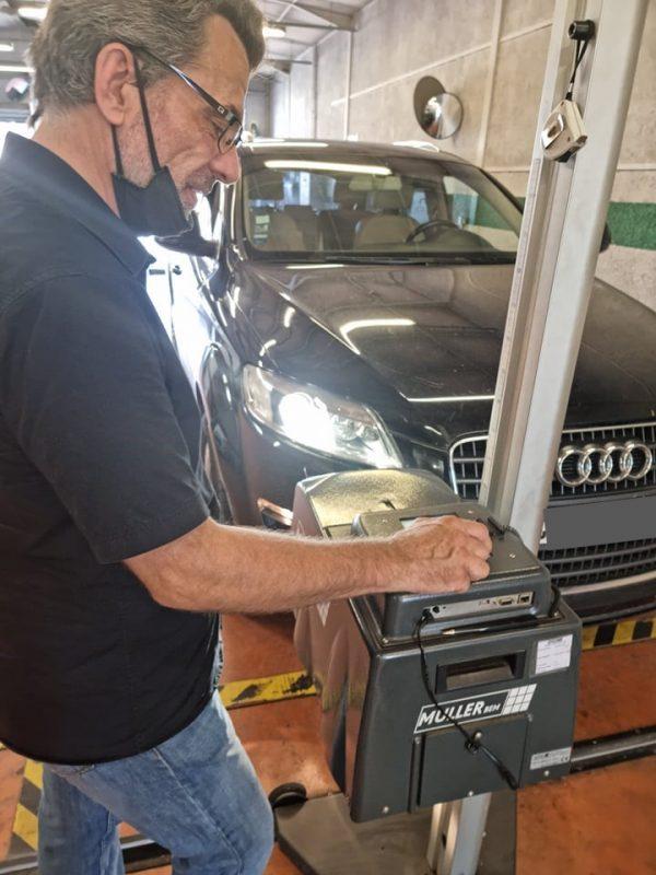 Contrôle technique - éclairages. Dekra montpellier vérifie l'ensemble de l'éclairage présent sur votre auto.